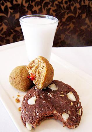 almond-milk-choc.macadamia-cookie-and-cranberry-orange-cookies