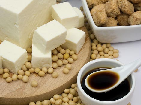higher_soy_intake_balanced_diet_reduce_mortality3da1f9e7338960938304