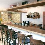 Bar (Medium)